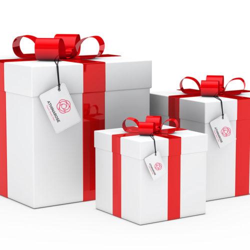 Φωτογραφία με δώρα, κουτιά με κόκκινους φιόγγους